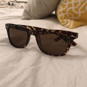 Accessories - Tortoise shell sunglasses old navy like new